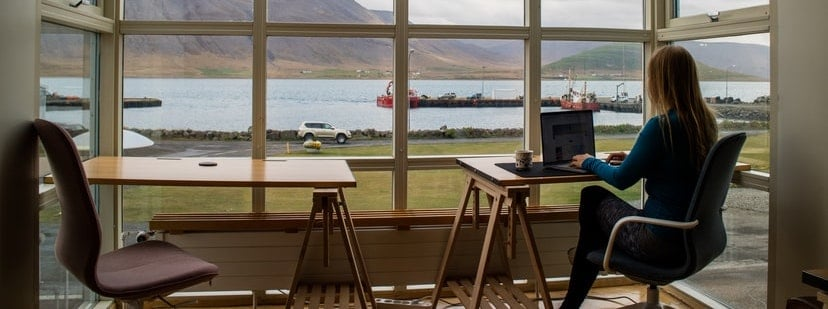 Should Remote Workers Get Paid Less?
